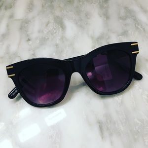 NWT🏷 Black Sunglasses